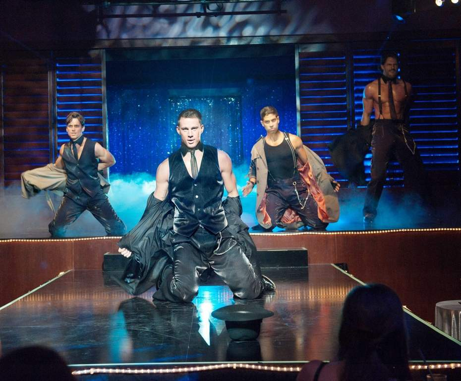 "(L-r) MATT BOMER as Ken, CHANNING TATUM as Mike, ADAM RODRIGUEZ as Tito, and JOE MANGANIELLO as Big Dick Richie in Warner Bros. Pictures´ dramatic comedy ""MAGIC MIKE,"" a Warner Bros. Pictures release.Photo by Claudette Barius"