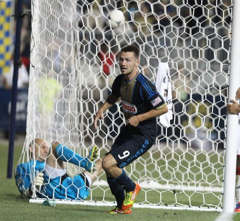 Jack McInerney, after he scored the Union&acute;s winning goal past New England goalkeeper Matt Reis<br /><br />RON CORTES / Staff Photographer