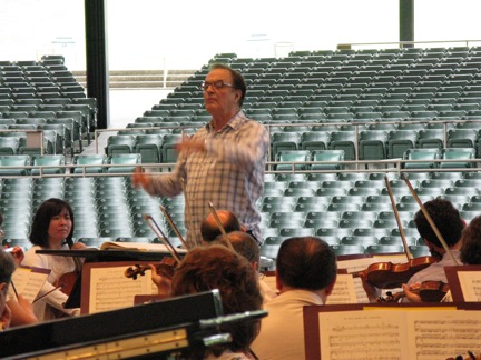 "Charles Dutoit conducting the Philadelphia Orchestra this morning in his last rehearsal as artistic chief of the Saratoga Performing Arts Center. The piece: Respighi´s Pines of Rome. Dutoit thanked musicians ""from the bottom of my heart"" for 21 seasons of concerts. His last as SPAC´s orchestral leader is tonight."