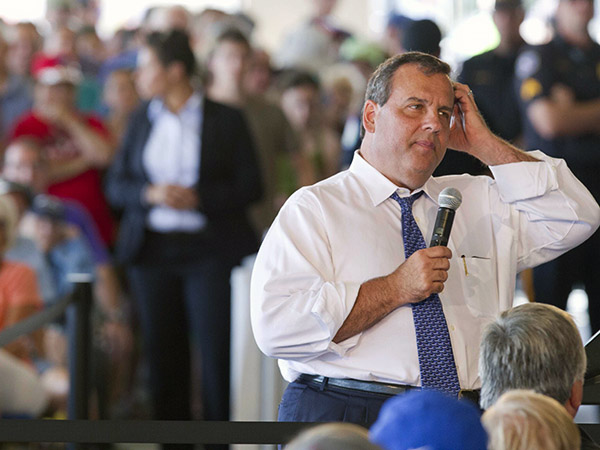 Gov. Chris Christie speaks during a town hall meeting in Ocean City, NJ, August 14, 2014.  ( DAVID M WARREN / Staff Photographer )