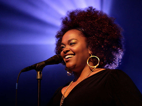 Jill Scott performs at The Fillmore at the TLA. (Elizabeth Robertson / Inquirer Staff)