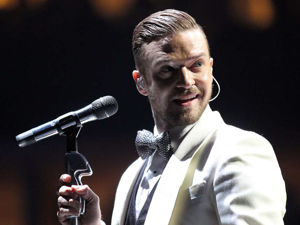 Justin Timberlake performs at the Wells Fargo Center on Sunday, November 10, 2013.  ( Yong Kim / Staff Photographer )