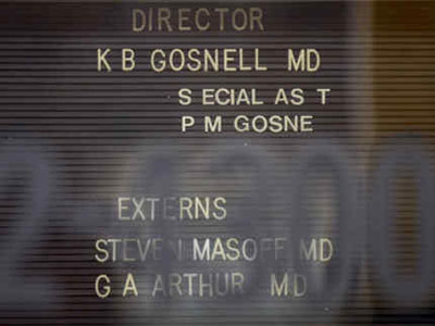 Sign inside the front door of Kermit Gosnell´s clinic; his medical license has been pulled. (Elizabeth Robertson / Staff Photographer)