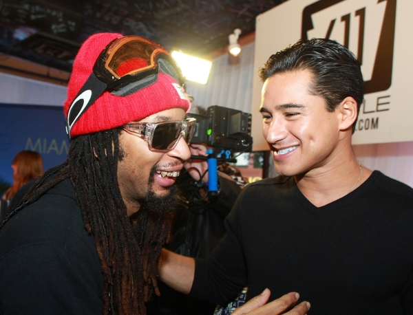 Rapper Lil´ Jon greets Mario Lopez at the 611 Lifestyle booth. (Photo: NickyDigital.com)