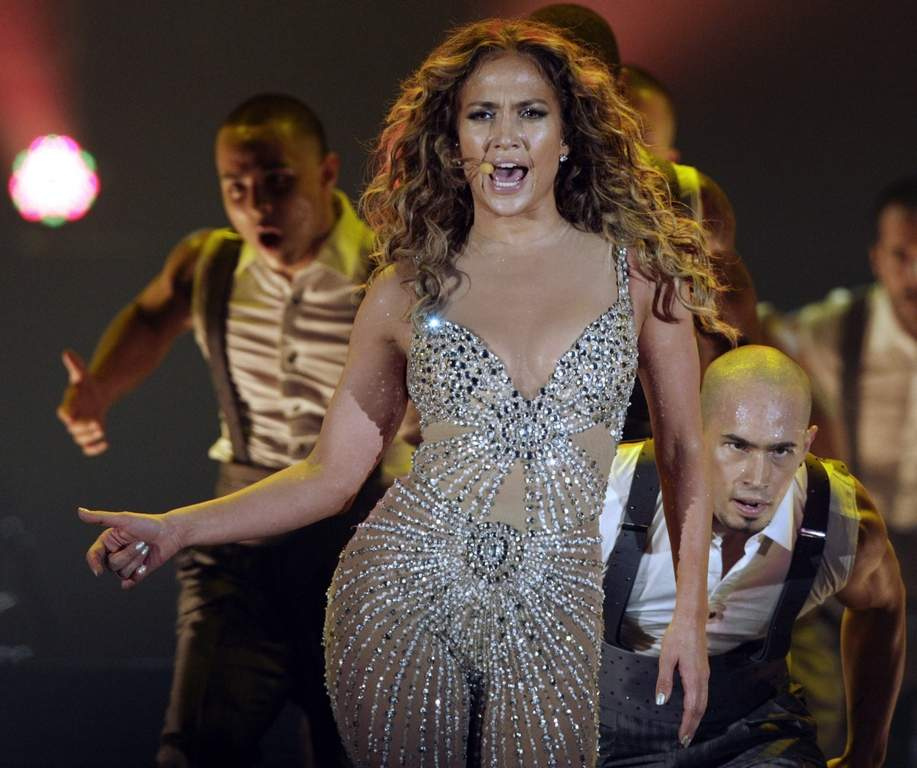 Jennifer Lopez and her crew have been practicing at the Liacouras Center.<br /><br />Associated Press