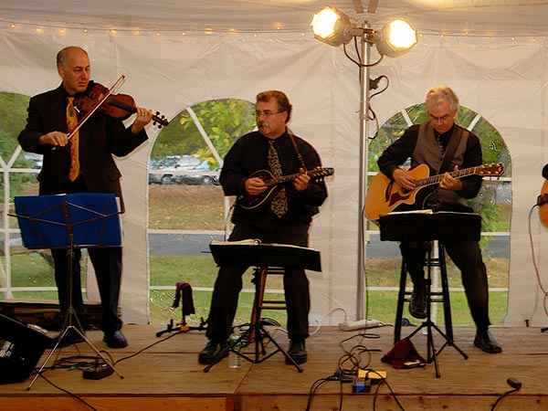 Stringzville, a Hopewell-based acoustic jazz outfit, ideal for house concerts. Left to right: Adam Krass (violin), Bo Child (mandolin), Dennis O´Neal (guitar), Mark Hill (guitar, not pictured), and Kathy Ridl (bass, not pictured). (Photo courtesy Dennis O´Neal)