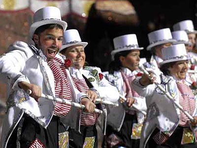 Members of the Pennsport String Band perform before the judges during the 2008 Mummers Parade. (Ron Tarver/Inquirer)