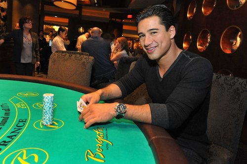 Mario Lopez playing blackjack at the Borgata March 26, 2011
