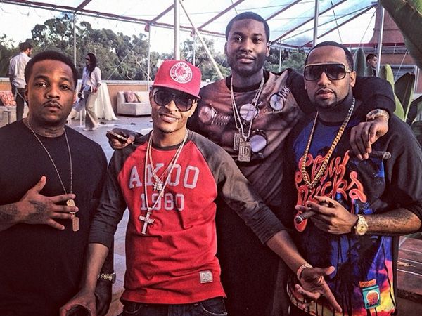 T.I. and Meek Mill party with some friends in the Hollywood Hills. (Photo via Meek Mill´s Instagram).