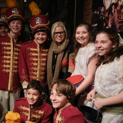 &acute;Smash&acute; actress Megan Hilty poses with child actors from &acute;The Music Man&quot; at the Walnut Street Theatre. Photo by Loretta Fox, whose daughter Zoe Grace Fox is directly to Hilty&acute;s left.<br /><br />