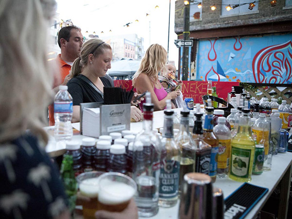 The Food Trust´s Night Market is an outdoor evening street fair featuring Philadelphia's hottest food trucks.