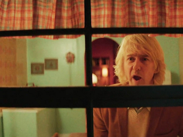 Edward Norton playing Owen Wilson in ´SNL´ Wes Anderson spoof.