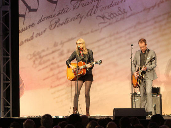 Former Secretary of State Hillary Rodham Clinton receives the 2013 Liberty Medal as Aimee Mann and Ted Leo sing &quot;Save Me&quot; to close the ceremony at the National Constitution Center Tuesday, September 10, 2013.  ( DAVID M WARREN / Staff Photographer )<br />