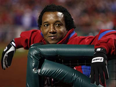 Pedro Martinez watches Game 5 of the 2009 World Series at Citizens Bank Park Nov. 2, 2009. ( Ron Cortes / Staff Photographer )