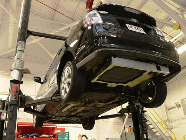 Wireless charging receiver installed under the floor of a Toyota Prius at the Oak Ridge National Laboratory in Knoxville, Tenn., July 24, 2014. (Oak Ridge National Laboratory/Detroit Free Press/MCT)