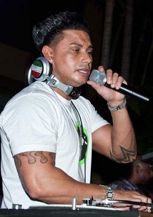 Pauly D was DJ at The Pool After Dark at Harrah´s Atlantic City Saturday. (PHOTO: PAUL J. FROGGATT)