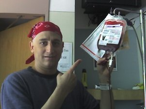 Here´s me in October 2006, posing with a pint of the Red Cross´ finest.