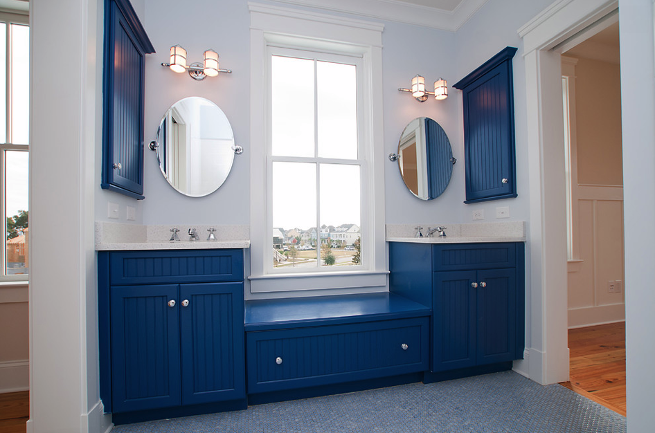 Bathed in color: When to use blue in the bathroom