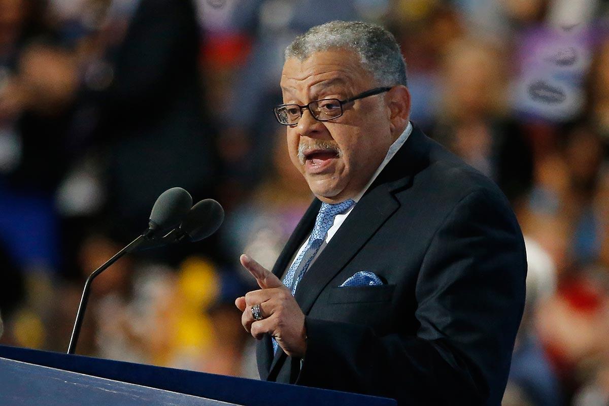 Former Philadelphia Police Commissioner Charles Ramsey speaks to the DNC on Wednesday night.