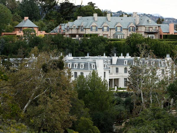 Chateau des Fleurs, at bottom in photo, is nearing completion in Bel-Air. At 60,000 square feet, it is still not the biggest home in Los Angeles, but it´s nothing to sneeze at. (Mel Melcon/Los Angeles Times/MCT)