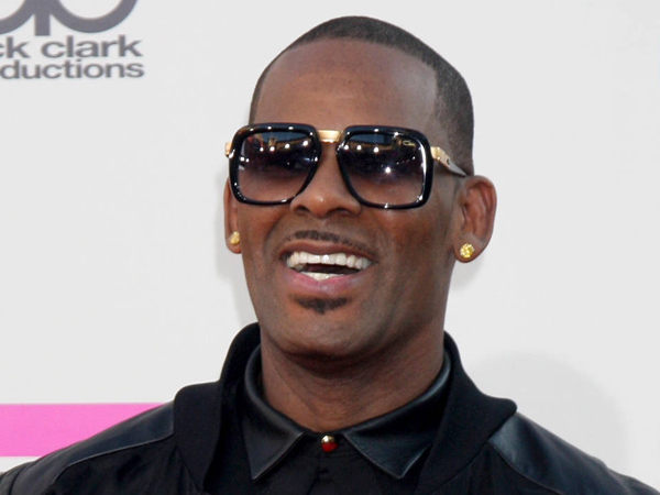 R. Kelly at the American Music Awards 2013 Arrivals at the Nokia Theater in Los Angeles.