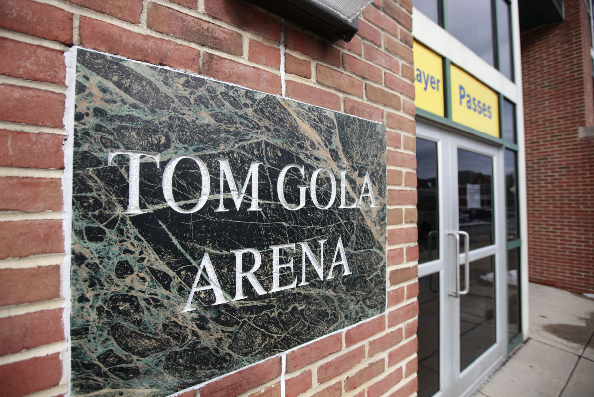 La Salle´s basketball venue will now be known as Tom Gola Arena at TruMark Financial Center.