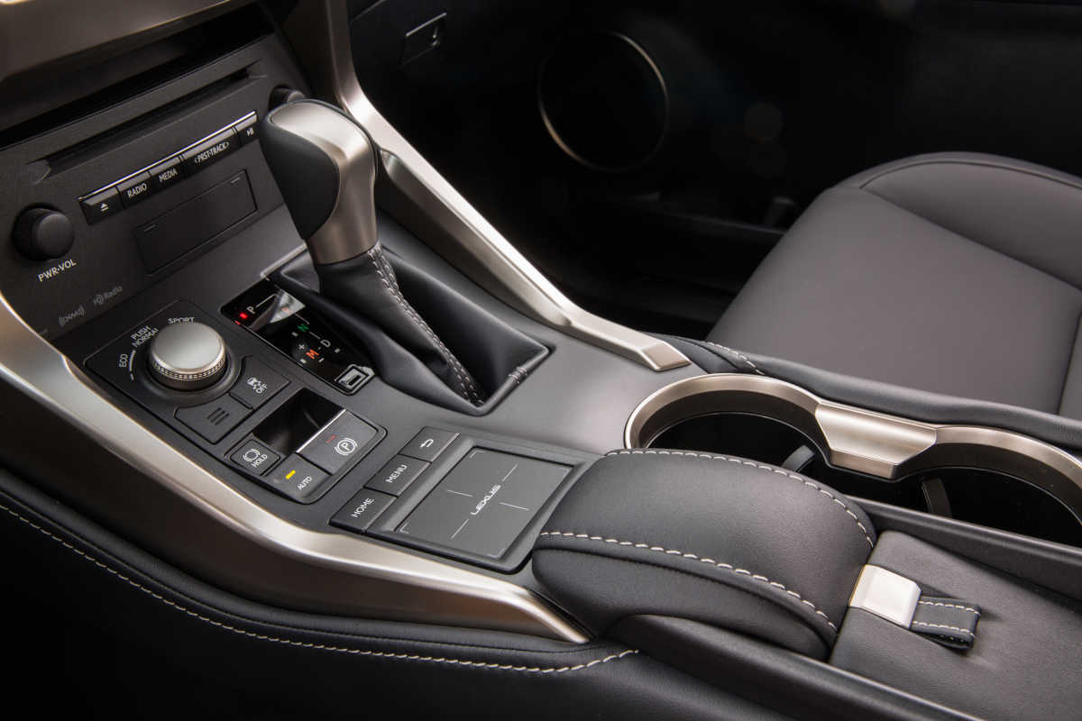 A touchpad for infotainment controls probably seemed like a swell idea for the 2017 Lexus NX200t. If you see a vehicle with one, though, run.