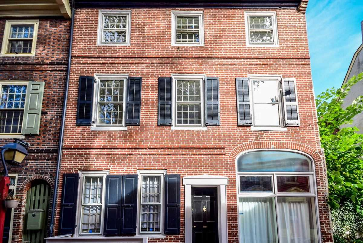 Built in 1771, 135 Elfreths Alley is older than America itself.