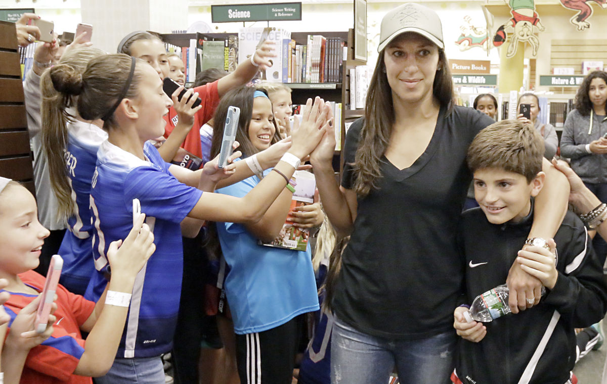 An unforgettable night for the kids Carli Lloyd inspires in her ...