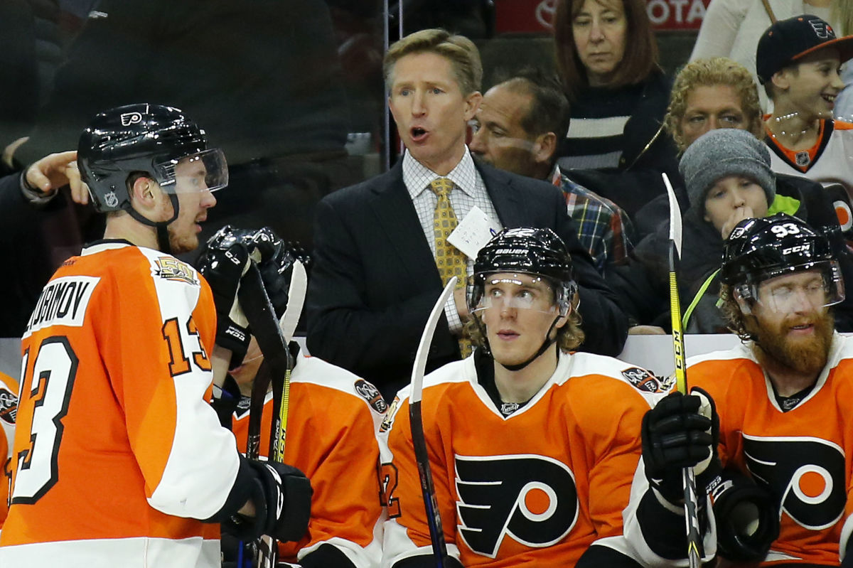 Flyers Head Coach Dave Hakstol yells to his team during third-period timeout against the Edmonton Oilers on Dec. 8, 2016 in Philadelphia.