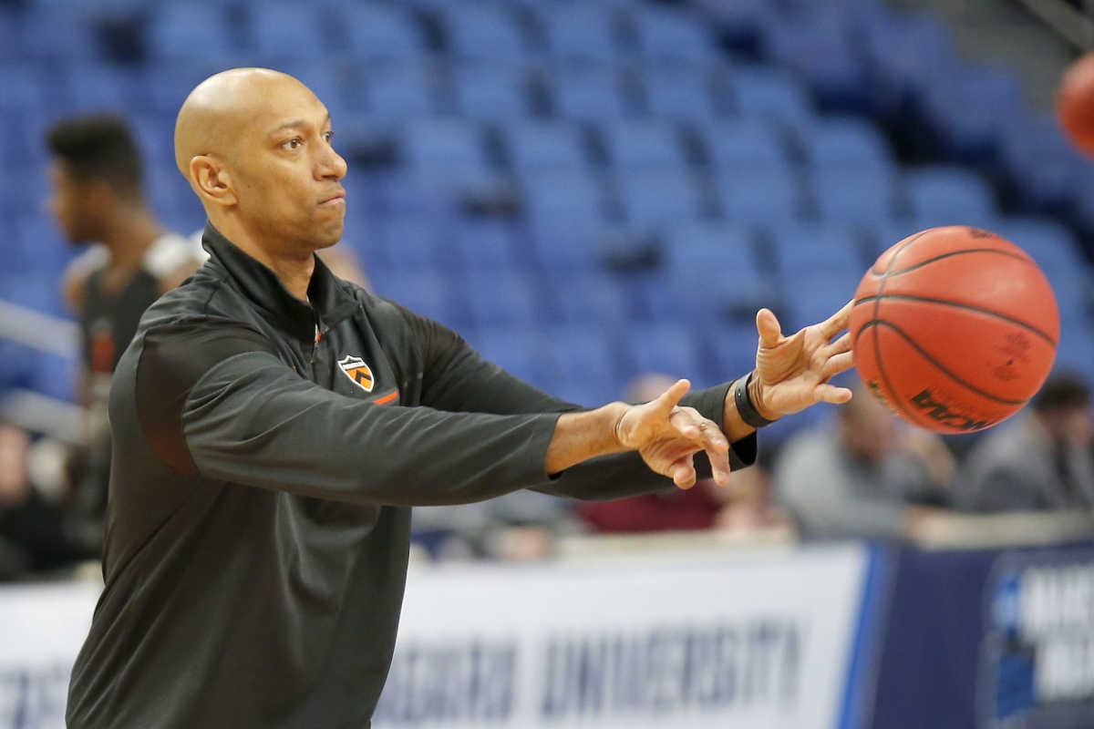Former Wildcat Kerry Kittles finishing up first season as