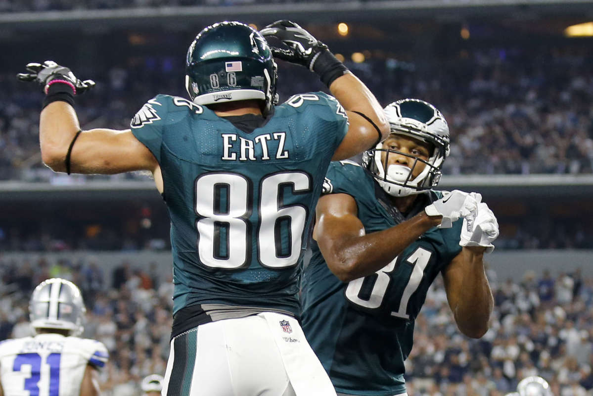 Eagles wide receiver Jordan Matthews (right) and Zach Ertz will be on the West Coast for games against the against the Seahawks on Dec. 3 and the Rams on Dec. 10.