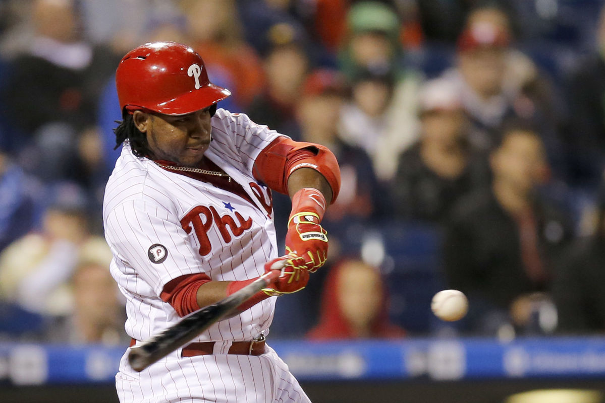 The Phillies´ Maikel Franco hits into a sixth-inning RBI fielders choice against the Atlanta Braves on Saturday, April 22, 2017 in Philadelphia.