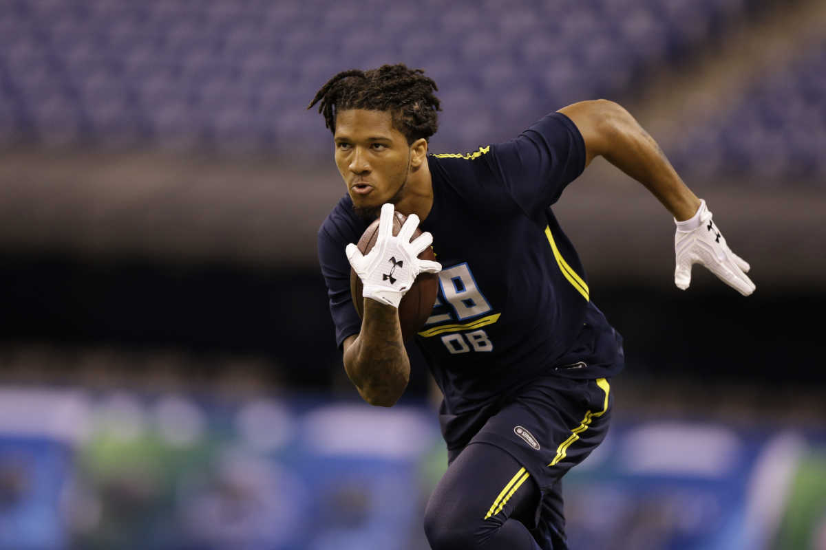 Washington defensive back Sidney Jones runs the 40-yard dash at the NFL football scouting combine in Indianapolis, Monday, March 6, 2017.