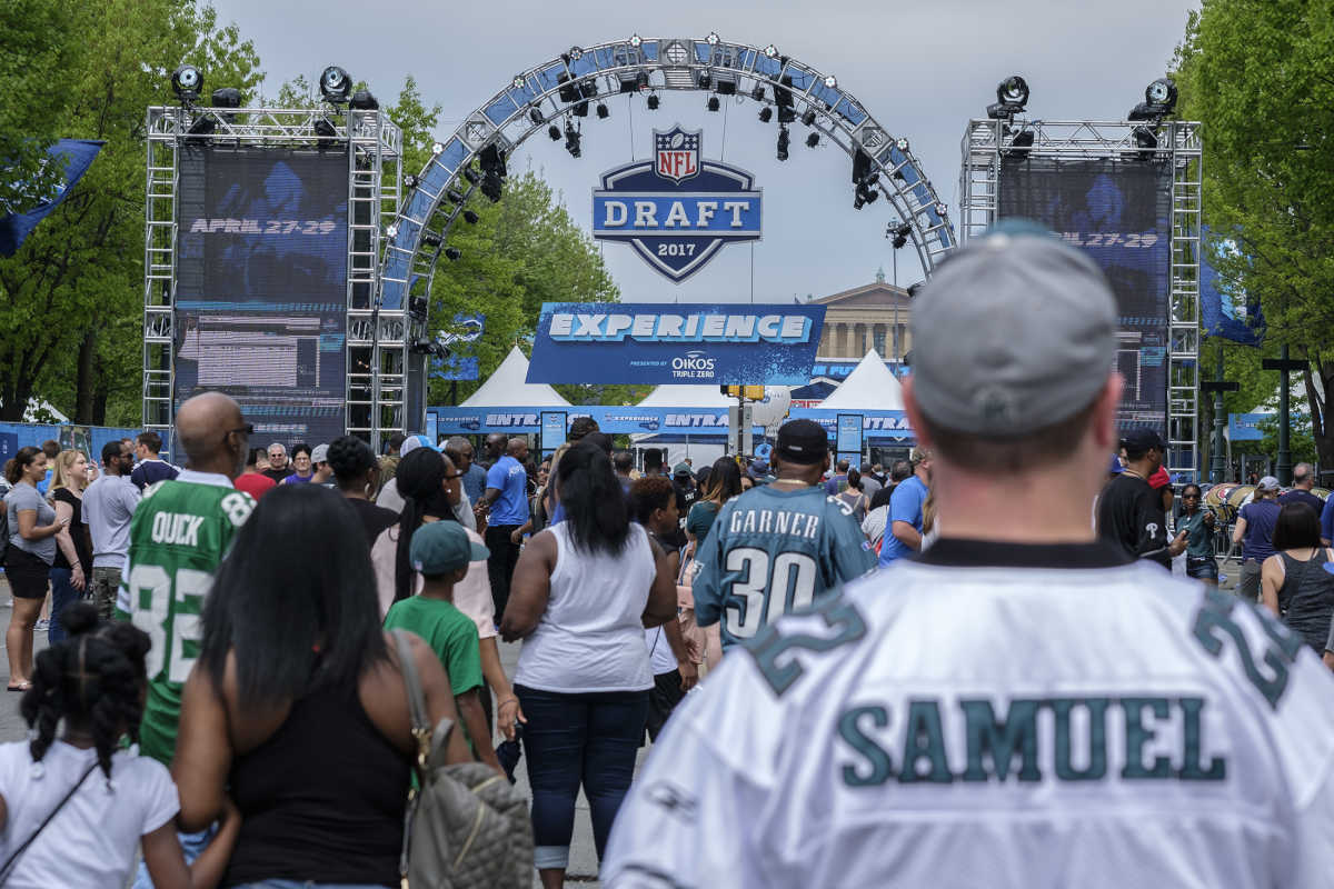 Fans make their way into the NFL Draft Experience for the final day of the event.   <br /><br />