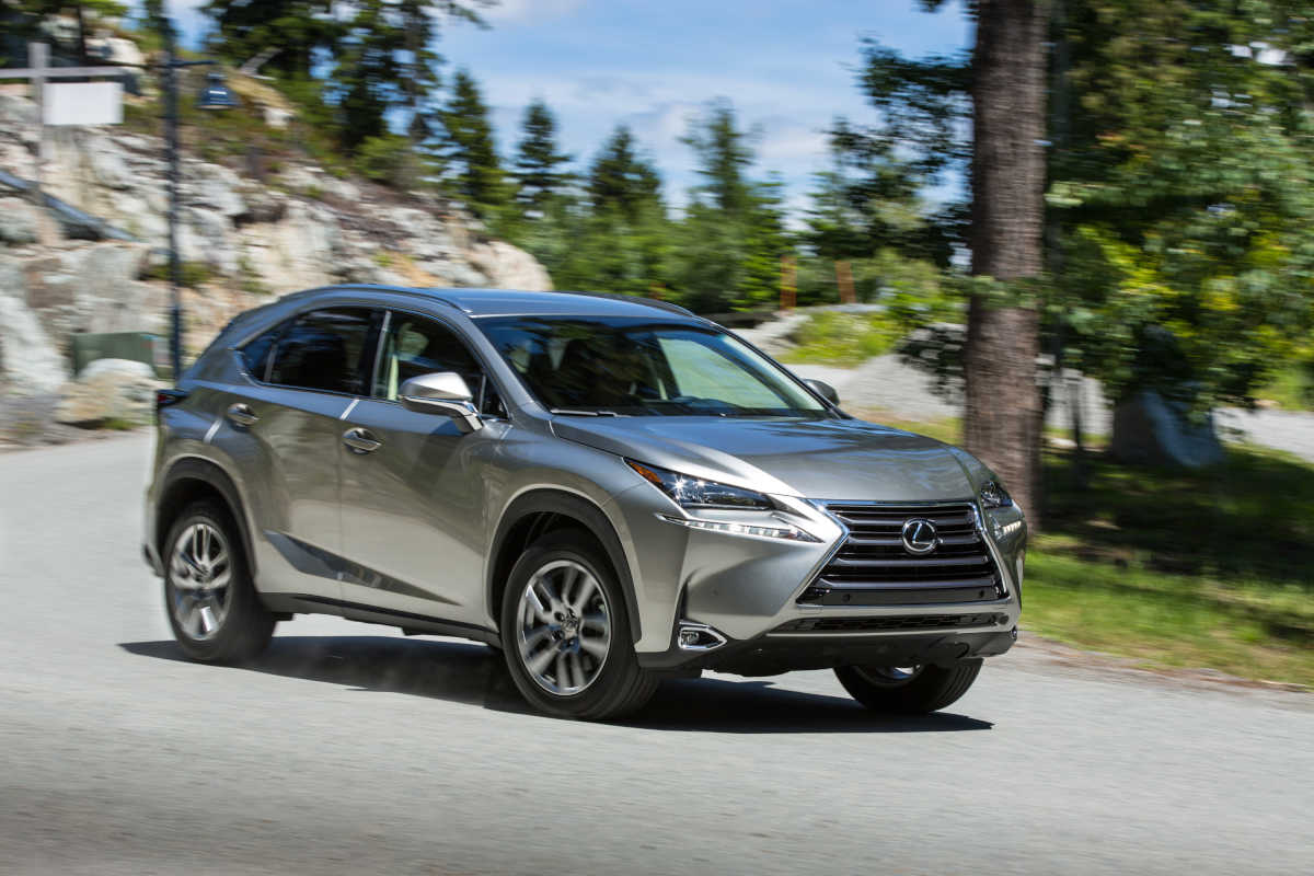 The 2017 Lexus NX200t is a handsome small SUV, but its spaciousness is reduced immensely by the swoopy profile.