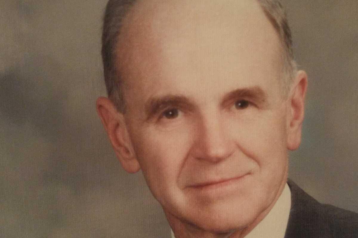 Dr. William G. Stewart Jr.