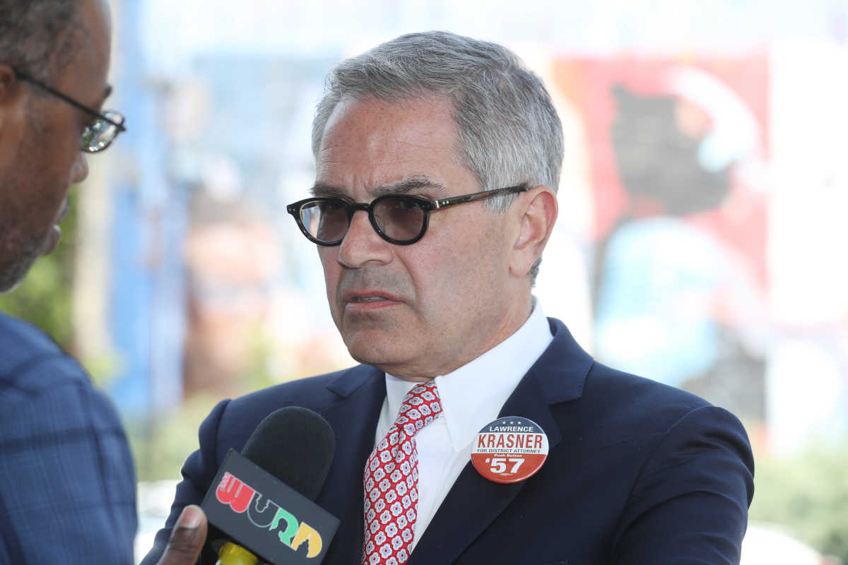 Running for DA, Larry Krasner attends the traditional Election Day Lunch at Relish on Ogontz, Tuesday May 16, 2019. ( DAVID SWANSON / Staff Photographer )