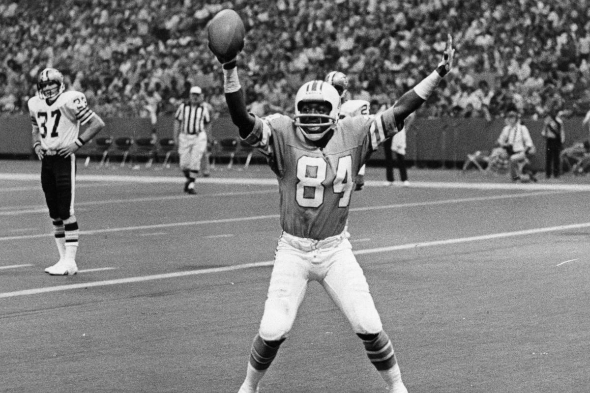 "Billy ""White Shoes"" Johnson doing one of his many end-zone dances after a return for a touchdown while playing with the Houston Oilers."