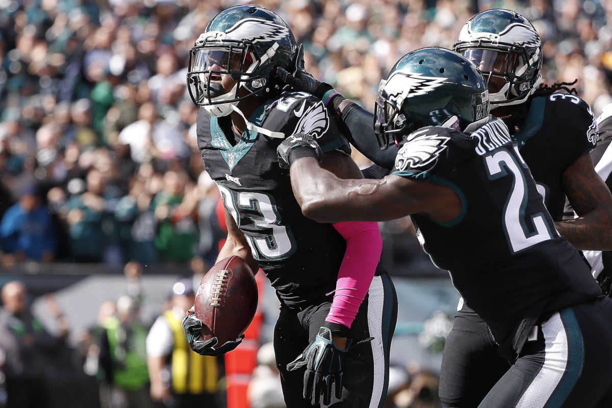 Eagles' Rodney McLeod (left) and Malcolm Jenkins (center) have a good working relationship in the secondary..<br />