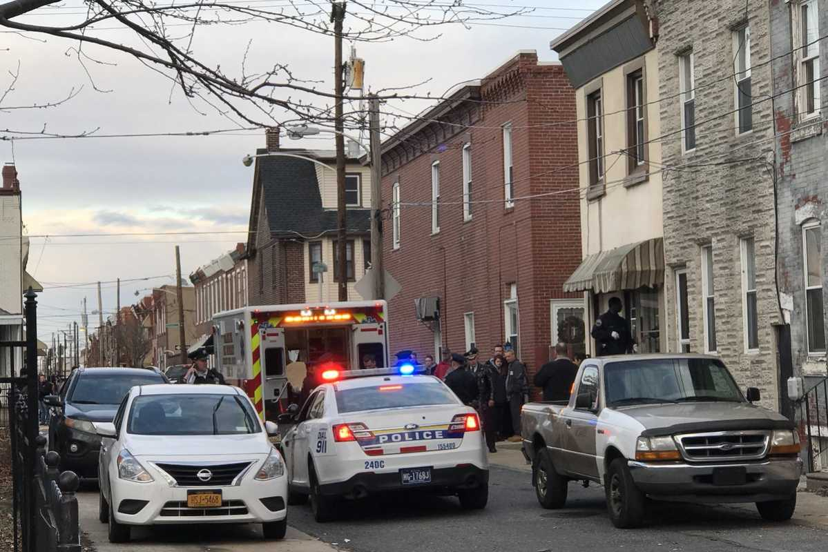 Police Cars For Sale >> Female police officer, man found dead in Port Richmond home - Philly