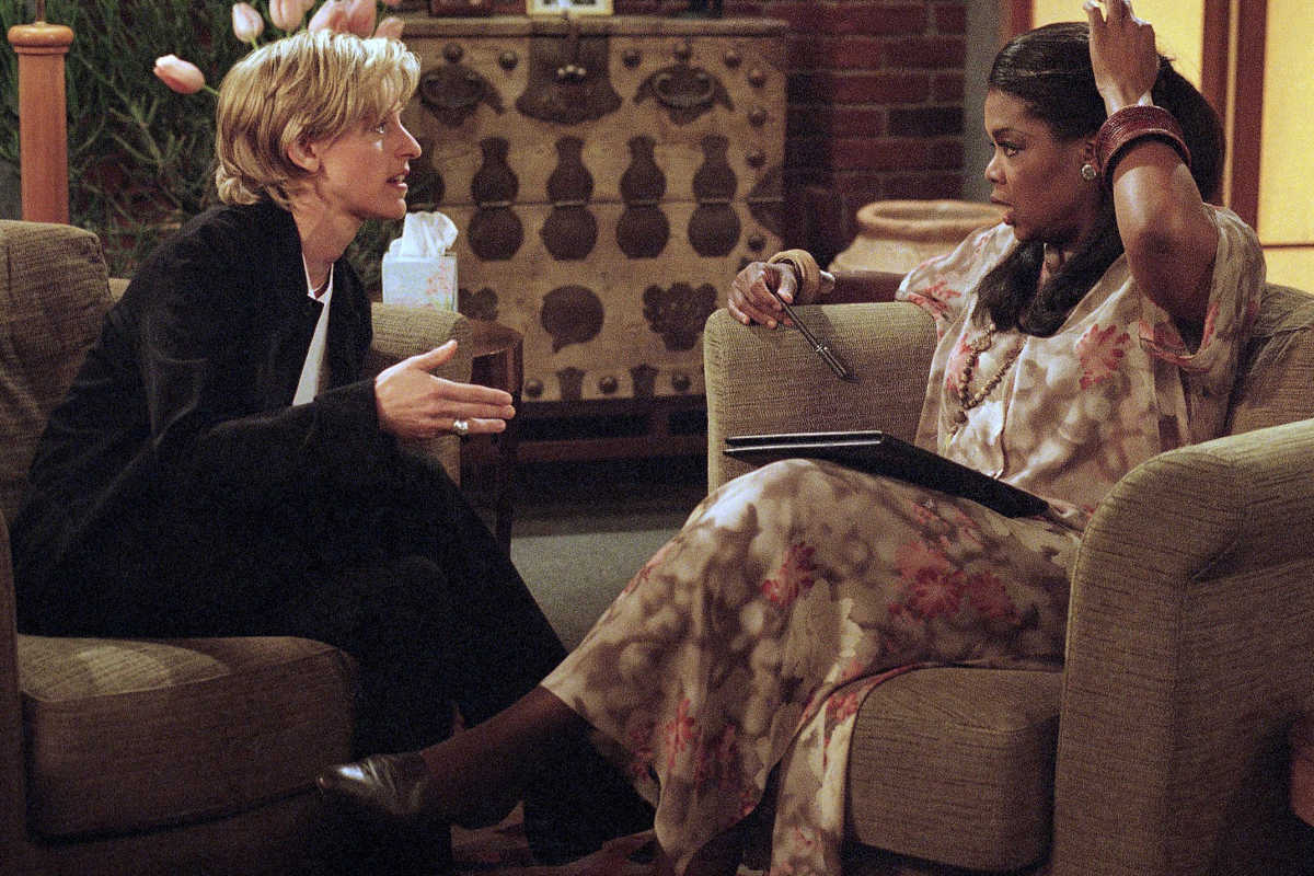 "Ellen DeGeneres (left) and Oprah Winfrey during the taping of a scene from the April 30, 1997, episode of ""Ellen"" in which DeGeneres´ character, Ellen Morgan, came out as gay. Winfrey played her therapist."