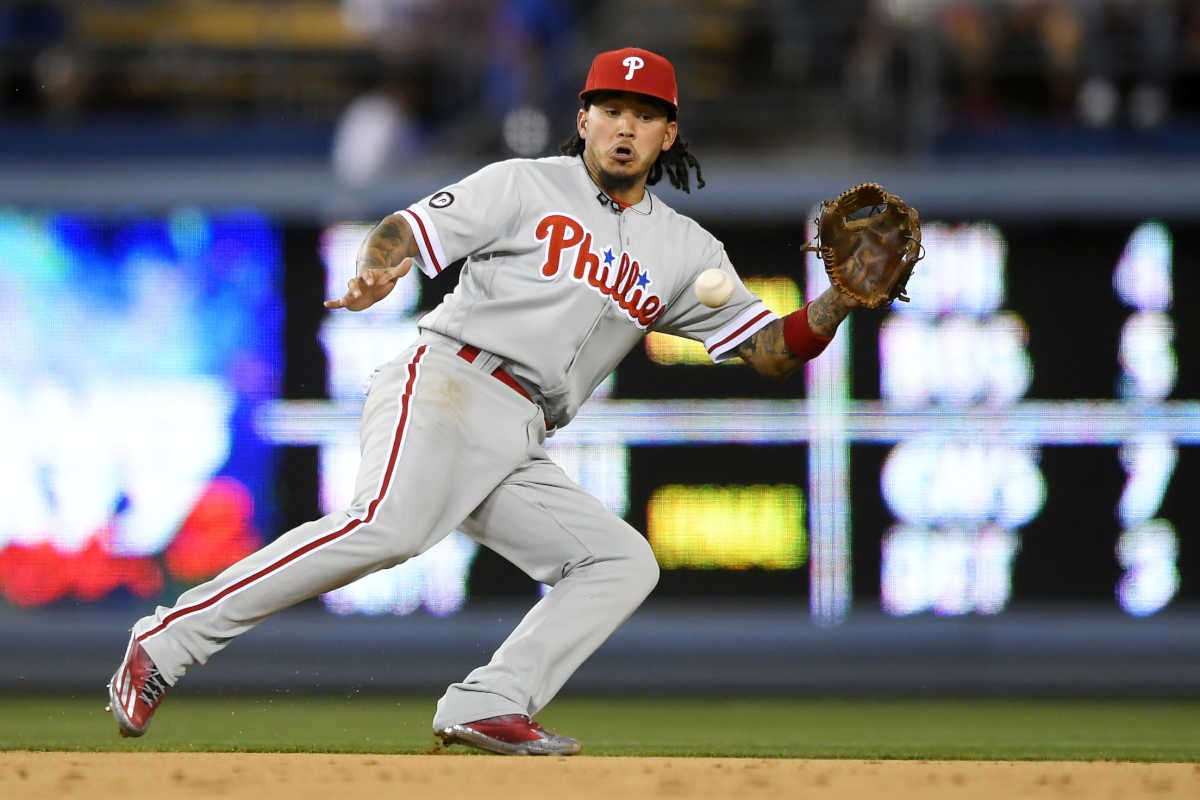 Phillies shortstop Freddy Galvis, who extended his Hitting streak to 10 games, fields a ball hit by the Dodgers´ Adrian Gonzalez during the third inning.