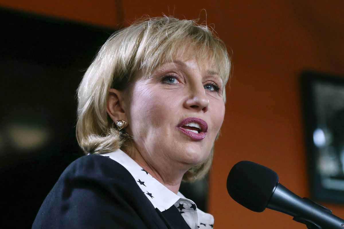 Republican New Jersey Lt. Gov. Kim Guadagno addresses a gathering of supporters as she announces her candidacy for governor, in Keansburg, N.J. Guadagno and Assemblyman Jack Ciattarelli opened the first debate to succeed Gov. Chris Christie in the state's primary with pointed attacks toward each other Tuesday, May 9, 2017.