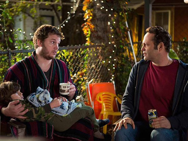 "Chris Pratt (left) and Vince Vaughn are buddies with different parenting issues in ""Delivery Man."" (JESSICA MIGLIO / Disney-DreamWorks II Distribution Co.)"