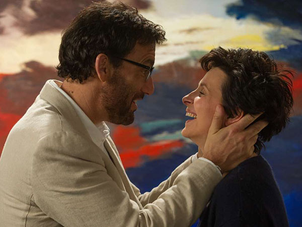 Clive Owen as an alcoholic writer and Juliette Binoche as an afflicted artist teaching in Maine in &quot;Words and Pictures.&quot;  (Doane Gregory photo)<br />