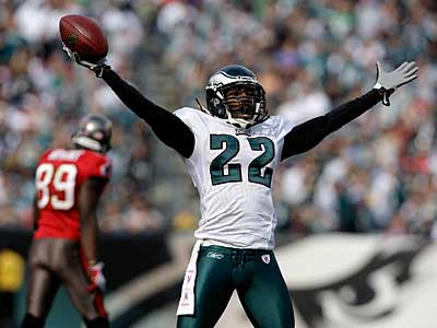 Asante Samuel celebrates his 3rd quarter interception as the Eagles play Tampa Bay Buccaneers at Lincoln Financial Field in Philadelphia on October 11, 2009. ( David Maialetti / Staff Photographer )