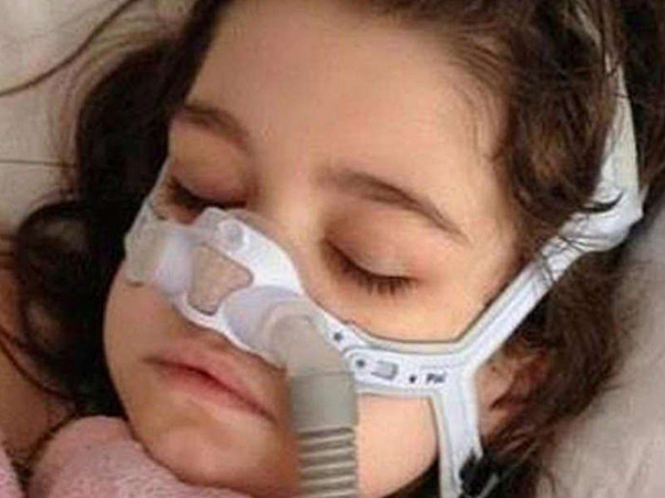 Sarah Murnaghan , 10, has cystic fibrosis, and her doctors at Children´s Hospital of Philadelphia say she has just weeks to live. Her parents are calling for a change in organ-transplant policies.