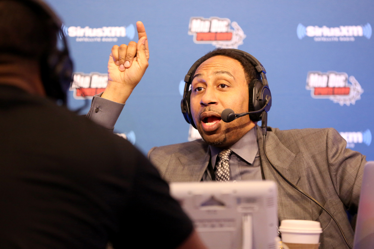 ESPN host Stephen A. Smith didn´t take kindly to one critics´s opinion that the network should have laid him off.