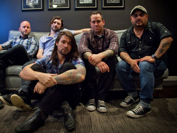 Taking Back Sunday (pictured) and The Used will embark out on a headlining tour.